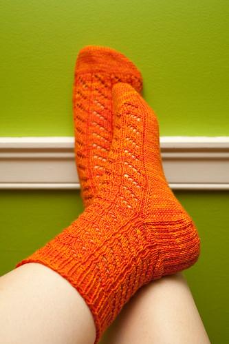 Diagonal Lace Socks (Heel)
