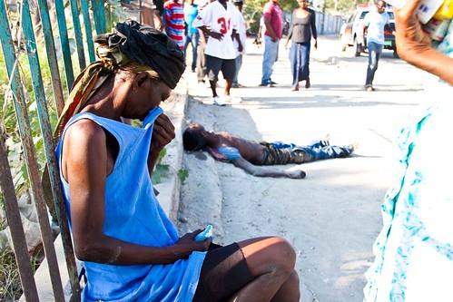 Woman-mourns-cholera-death