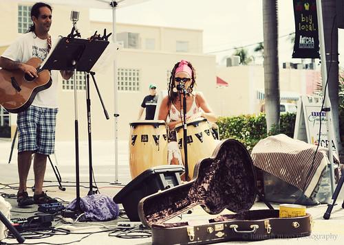 Green Market, live music