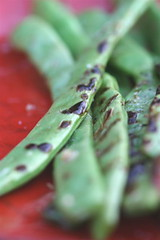 Flat beans grilled with olive oil
