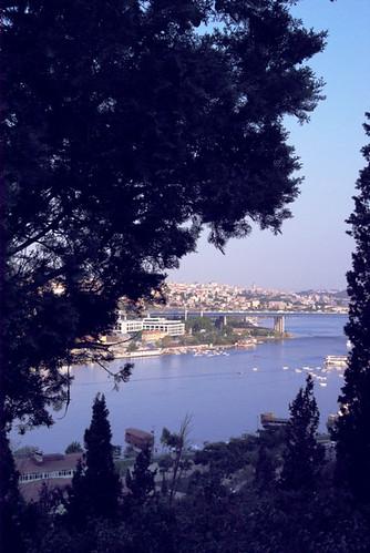 Eyup Sultan cementeries and Golden Horn, istanbul, Haliç, pentax k10d