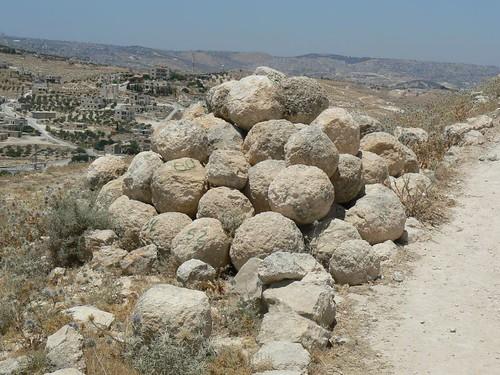 balistra stones