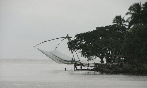 chinese fishing nets kochi kerala 260807