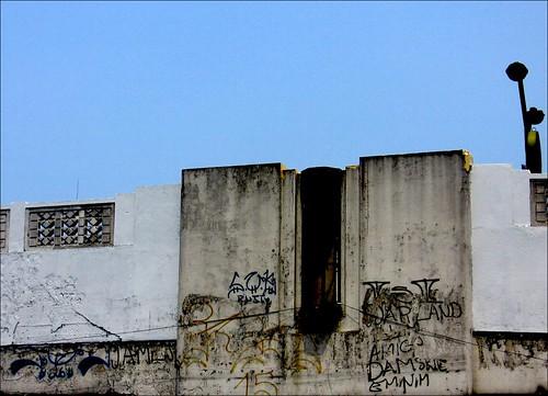 graffiti above quiapo ilalim
