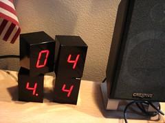 LED Alarm Clock by Jonas Damon - 4