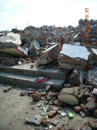 Broke Down Linyi