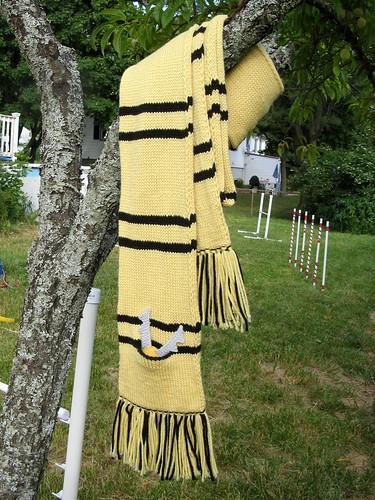 0381 HP Hufflepuff scarf