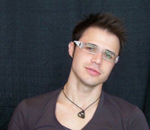 Kris Allen wearing glasses sexy unf photo picture