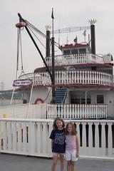 river boat on mississippi