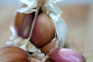pink garlic cloves