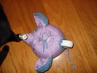 Knitted elephant teacozy pattern