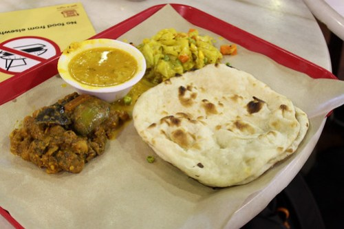 Naan with vegetables and Curry at Lau Pa Sat