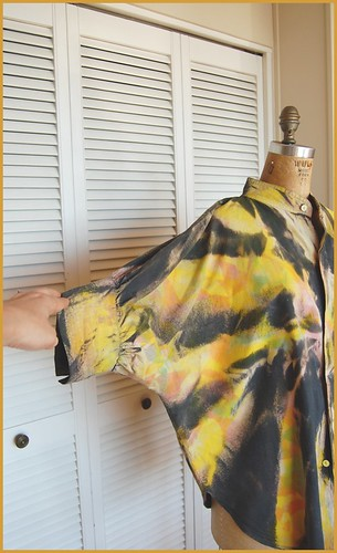 insane tie-dye 80s dolman sleeve blouse