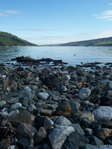 wallowa lake rocks