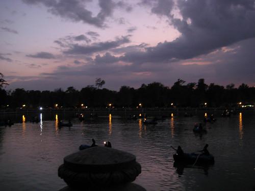 Tubas en el lago