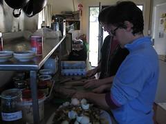 Fent pa amb tomàquet