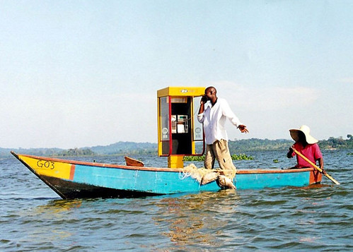 lake victoria solar payphone by abaporu.