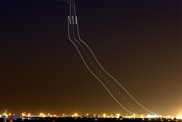 737 Light Trail