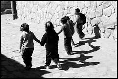 Niños de Tilcara saliendo del cole