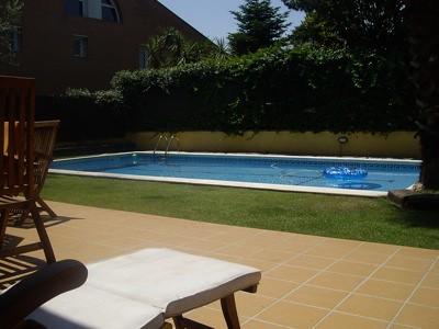 La piscina vista desde donde escribo el post