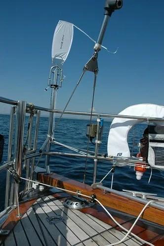 Equipment: Choosing and fitting a wind vane (2/6)