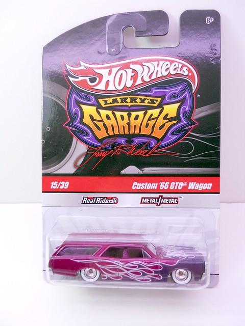 HOT WHEELS GARAGE CUSTOM 66 GTO WAGON (1)