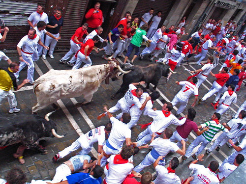 entre las piernas del último toro