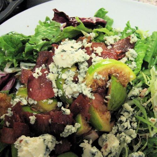 #29: prosciutto and figs over greens