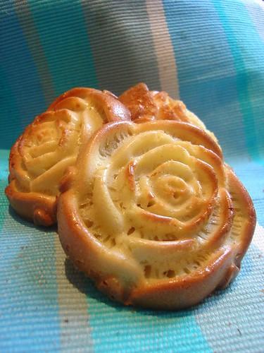 Lemon Madeleine Roses