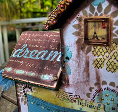 House of Dreams - Back Close-up