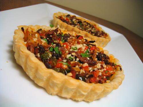 romesco pulled pork tartlett w/peppers & pecorino
