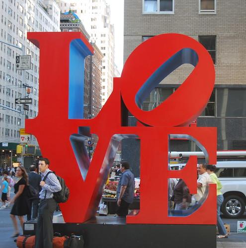 love statue 6th ave