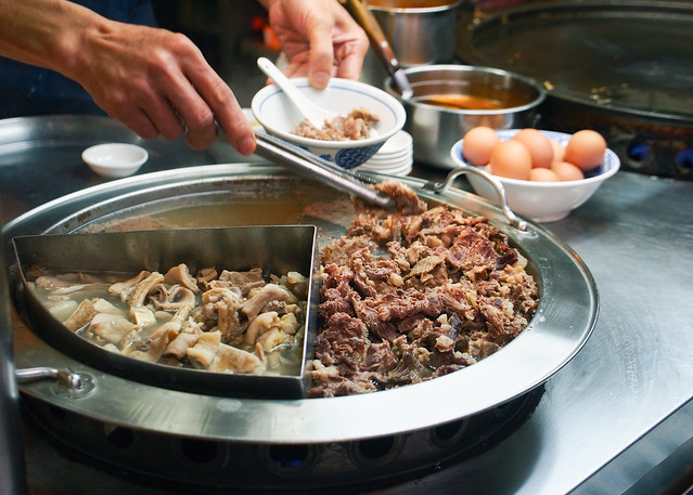 臺北 中山-遼寧夜市牛雜湯-牛家村牛雜湯 - 王獅子 leo-sheng