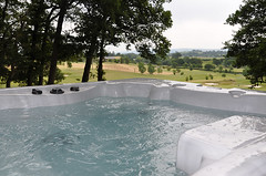 Cedars Lodge with Hot Tub