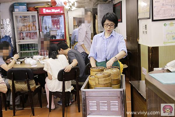 [香港.美食]上環.蓮香居.推車港式點心~坐叮噹車嚐港點.茶樓內坐滿滿 @VIVIYU小世界