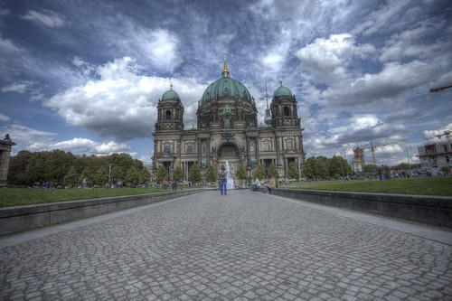 "Berliner Dom / Creative Commons • <a style=""font-size:0.8em;"" href=""http://www.flickr.com/photos/91619724@N04/26207607436/"" target=""_blank"">View on Flickr</a>"