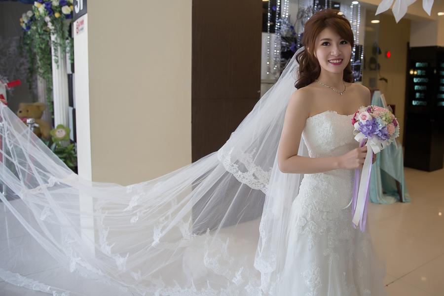 新秘Yuki│新秘推薦│白紗│公主頭│長頭紗│新娘髮型