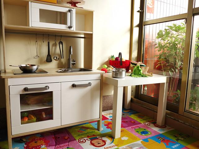 wood kitchen playsets funnels 小燒賣的新年禮物 ikea的小廚房與家家酒配件組 poppy的育兒日記 痞客邦