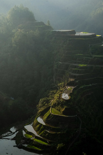 Slowly illuminating. Banaue viewpoint