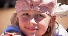"Das Lächeln. Das Mädchen lächelt. • <a style=""font-size:0.8em;"" href=""http://www.flickr.com/photos/42554185@N00/24653748405/"" target=""_blank"">View on Flickr</a>"