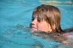 """Das Schwimmen. Das Kind schwimmt. Die Kinder schwimmen. • <a style=""""font-size:0.8em;"""" href=""""http://www.flickr.com/photos/42554185@N00/25466117720/"""" target=""""_blank"""">View on Flickr</a>"""
