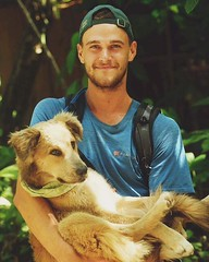 Day 317. Me and the pup at Finca Bellavista. We're back on the road, slightly more than a day from the Panamanian border. Felt good and familiar in my tent last night. #theworldwalk #travel #costarica