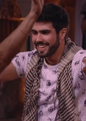 """Ex-BBB confirma encontros com Juliana Paiva e diz: """"Ela é reservada"""""""