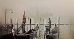 """Die Gondel. Die Gondeln. Die Gondeln von Venedig. • <a style=""""font-size:0.8em;"""" href=""""http://www.flickr.com/photos/42554185@N00/26303502052/"""" target=""""_blank"""">View on Flickr</a>"""