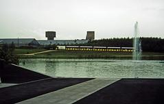 24-0886 26 - Lake Fountain and Train (2)