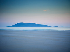 """Dusk over Ceobaphal from Luskentyre, Isle of Harris • <a style=""""font-size:0.8em;"""" href=""""http://www.flickr.com/photos/26440756@N06/27758653117/"""" target=""""_blank"""">View on Flickr</a>"""