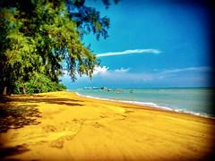 Straits of Malacca https://goo.gl/maps/1ohS9jiYemK2  #travel #holiday #Asian #Malaysia #旅行 #度假 #亞洲 #馬來西亞 #trip #traveling #beach #海滩 #pantai #วันหยุด #การเดินทาง #ホリデー #휴일 #여행 #праздник #путешествие #ビーチ #바닷가 #ชายหาด #пляж #restingstop #TanjungBidaraBeach