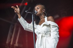 "Kelela - Primavera Sound 2018 - Jueves - 2 -M63C4892 • <a style=""font-size:0.8em;"" href=""http://www.flickr.com/photos/10290099@N07/27622202897/"" target=""_blank"">View on Flickr</a>"