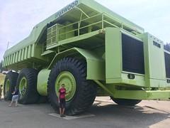 anscheinend grösster Truck der Welt in Spaarwood