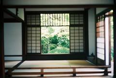 源光庵の窓2